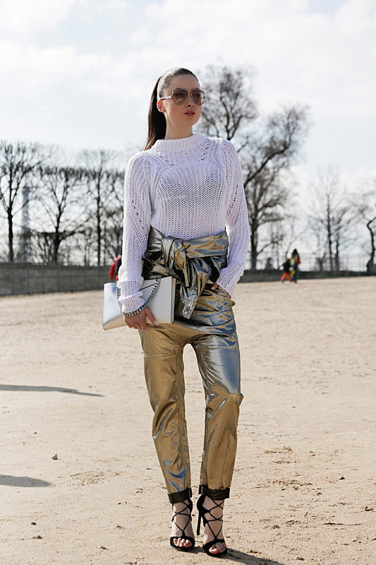 Resultado de imagen de pantalones metalizados tendencia