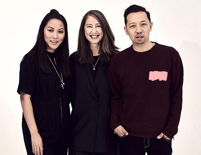 Ann-Sofie Johansson con Carol Lim y Humberto Leon
