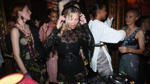 kate Moss durante la fiesta de presención de la colección crucero 2017 de Miu Miu. Foto Cortesía de la firma