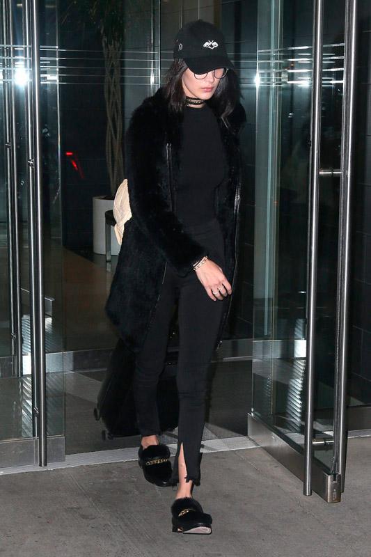 bella hadid total black style noviembre 2016