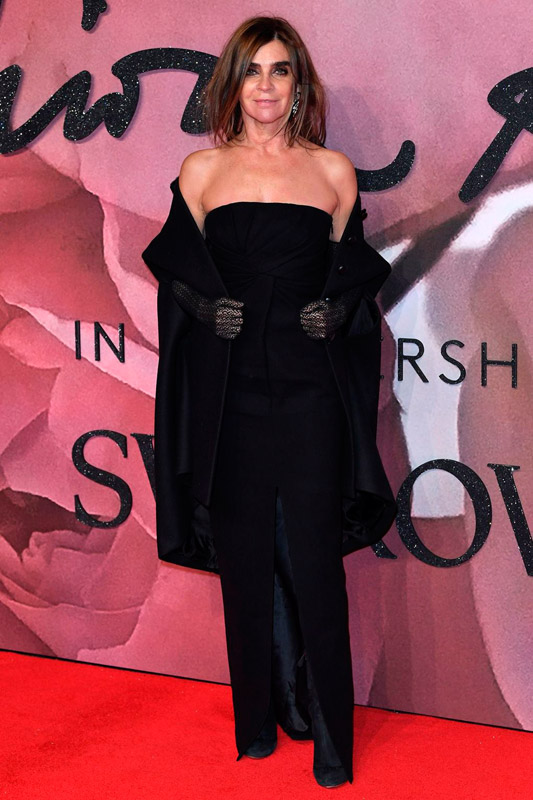 carine-roitfeld-attends-the-fashion-awards-2016