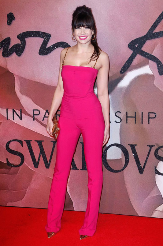 daisy-lowe-attends-the-fashion-awards-2016