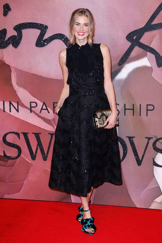 donna-air-attends-the-fashion-awards-2016