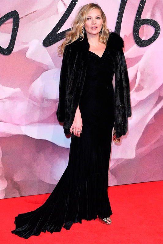 kate-moss-attends-the-fashion-awards-2016