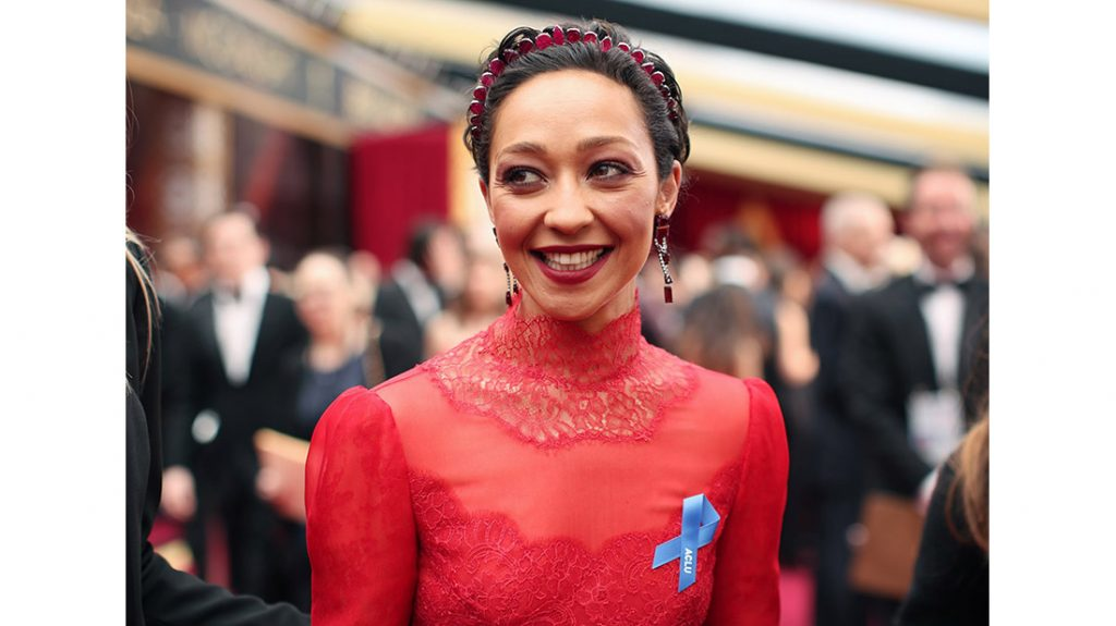 Ruth negga with blue Ribbons in oscars 2017