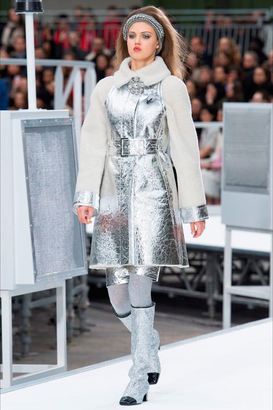 Chanel fall/winter 2017/2018 paris fashion week CHANEL AIRSPACE