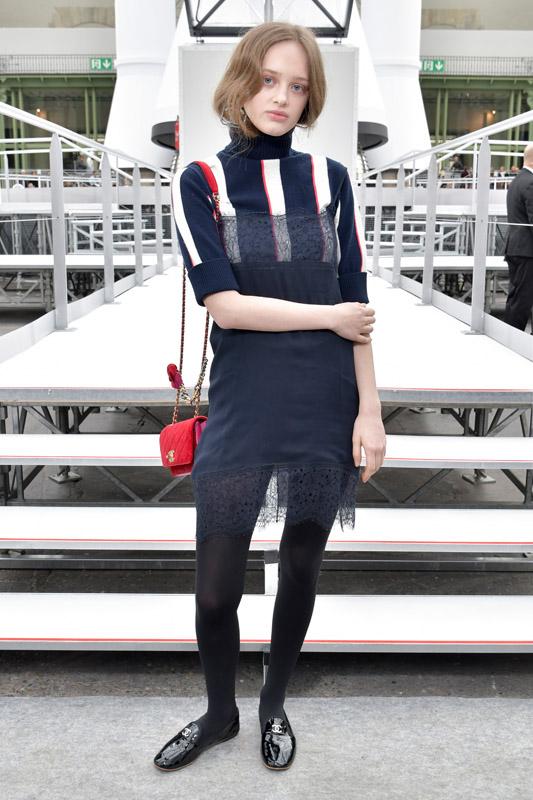 celebrities en el desfile de Chanel en Paris fashion week 2017