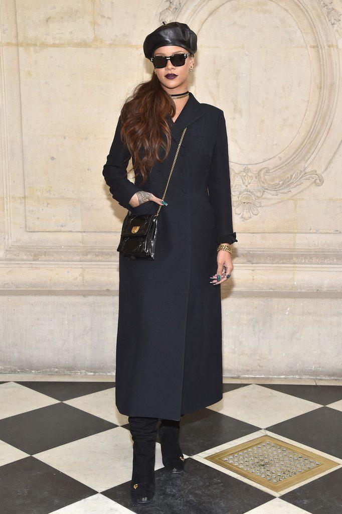 celebrities del desfile de dior en paris fashion week