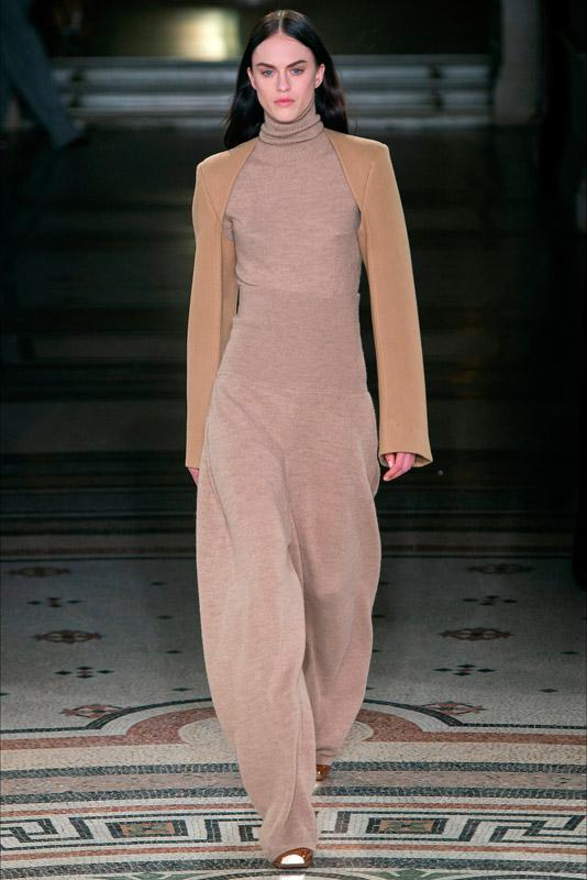 Stella McCartney fall/winter 2017/2018 paris fashion week, march 2017