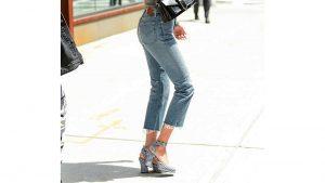 Bella hadid con zapatos de zara