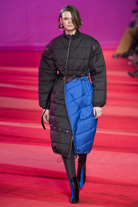 abrigo de plumas de Phillip Lin invierno 2017/18