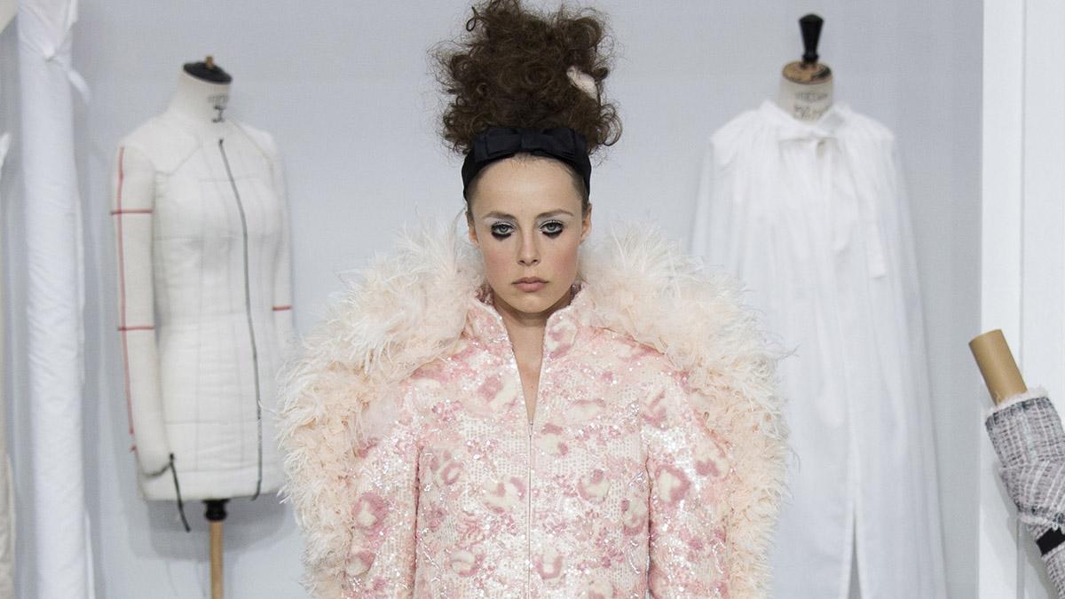 desfile chanel alta costura en paris fashion week