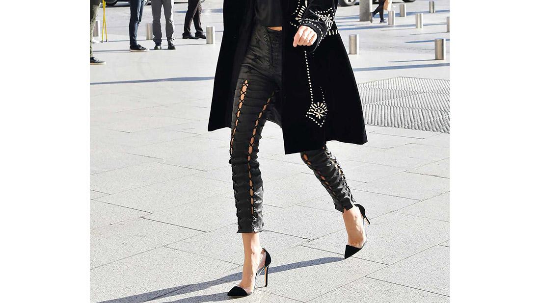 los pantalones de moda lace up